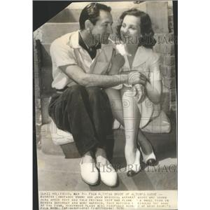 1939 Press Photo Actress Moore With Husband Agent Maschio After Elopement