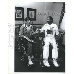 1988 Press Photo Darryl Stingley Paralyzed NFL Player Visits Joe Di Grazia