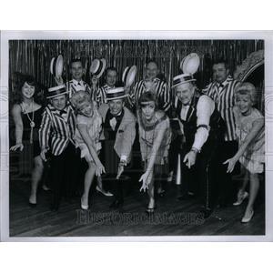 1967 Press Photo Roaring Twenties Group Dressed - RRU27399