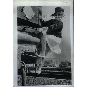 1971 Press Photo Gaylene Snow,female brakeman - RRU27767