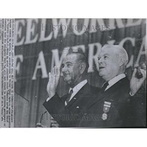 1964 Press Photo President Johnson United State worker - RRV23255