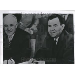 1963 Press Photo Russian Representative Smile Table - RRV24081