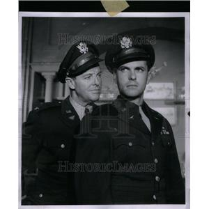 1958 Press Photo Bob Cummings Rip Tron Actor - RRU41207
