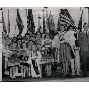 1955 Press Photo Dedication Ceremony Maseryk Memorial - RRU35559