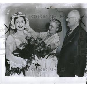 1953 Press Photo Debut Detroit Maria Leone Met - RRV25409