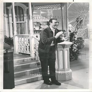 "1968 Press Photo Eddy Arnold in ""County Fair"""