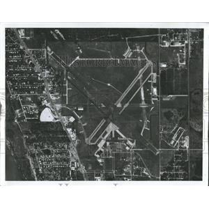 Press Photo Dolpin Aviation Sarasota-Bradenton Airport