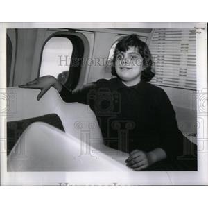 1961 Press Photo Linda Woelke First Jet Ride - RRX12717