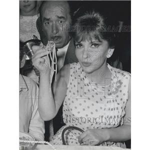 1965 Press Photo Gina Lollobrigida at Longest Feast In the world