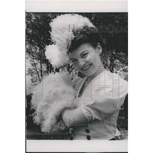 1950 Press Photo Jennie Mathot Belgian Actress Roehampton Club Garden Party