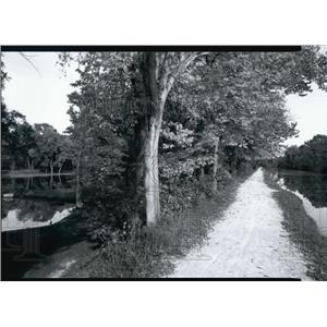 "Press Photo Illinois and Michigan Canal Corridor from ""Prairie Passage"""
