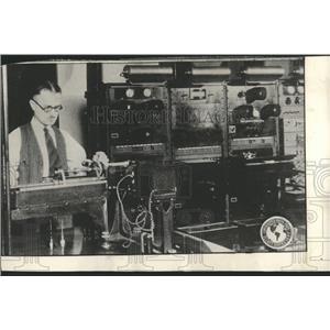 1928 Press Photo Movie Wire Apparatus