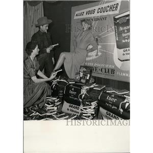 1953 Press Photo Pat MacGerr Crazy Horse Paris Night Club Nathalie Nattier