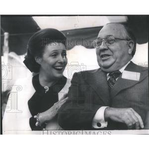 1974 Press Photo Actress Patricia Neal makes quip Mayor Daley - RSC55723