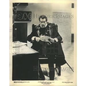 1937 Press Photo Raymond Massey American Film & Television Actor - RSC81323