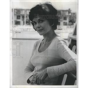 1974 Press Photo Barnaby Jones Series Guest Star Walter Portrait Near Boats