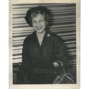 1950 Press Photo Margaret Truman In Chicago At Dearborn Station - RSC85243
