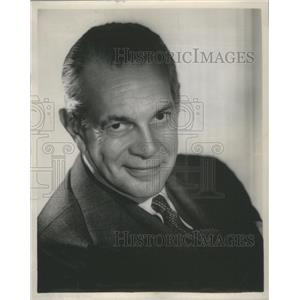 1957 Press Photo Raymond massey actor - RSC81315