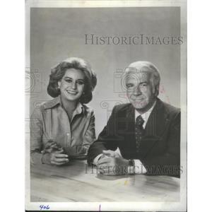 1977 Press Photo NBC News Team Harry Reasoner Barbara Walters - RSC79557