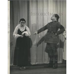 1938 Press Photo Actors Ruth Rubinstein Al Eben Pins and Needles Chicago Theater