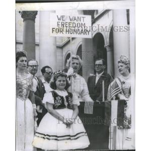 1958 Press Photo Ilona Massey Former Actress Demonstration Hungarian-Americans