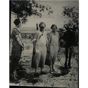 1925 Press Photo Ferguson gingham Unifrom campaign - RRW79783