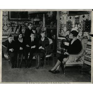 1931 Press Photo Queen Victoria Spain Five Six Children - RRX62465