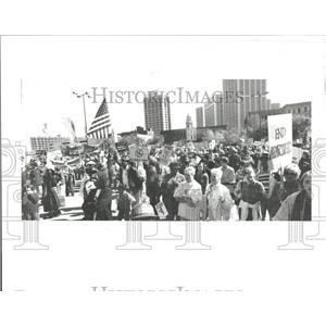 1987 Press Photo Peace Nick Protest Michigan Tiger Kern