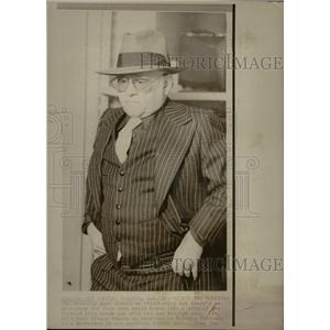 1975 Press Photo Mickey Rooney Find the Lady Toronto - RRX70235