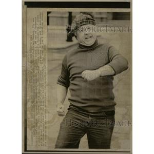 1976 Press Photo Mickey Rooney Paramount Studios LA - RRX70233
