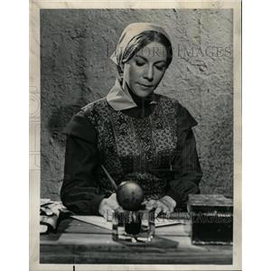 1965 Press Photo Actress Julie Harris - RRW20497