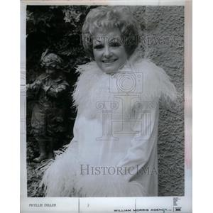 1972 Press Photo Phyllis Diller Merican Fang Comedian - RRX26703