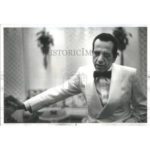 1977 Press Photo Robert Sacchi American character actor Humphrey Bogart scene