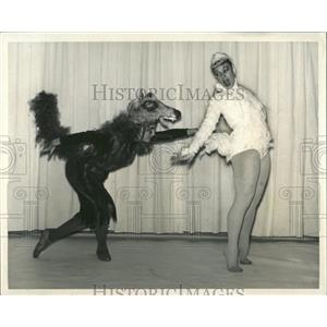 Press Photo Peter and the Wolf - RRX84167