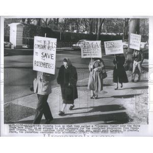 Press Photo Clemency Vigil Atom Spies President Truman White House - RSC75771