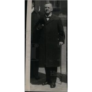 1919 Press Photo Mangin Commander Chief Salute Head - RRX42093