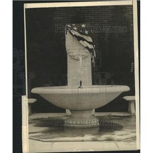 1915 Press Photo Cenotaph Fountain Battery New York - RRW51075
