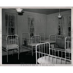 1949 Press Photo Children's Hospital