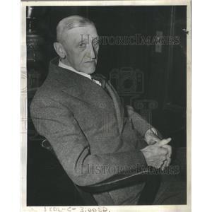 1943 Press Photo CAPT. ALBERT T. MIKES CRAGIN POLICE STATION - RSC65057