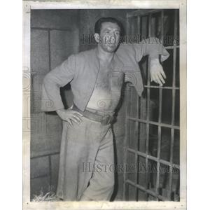1945 Press Photo MIKE MAZURKI AMERICAN ACTOR WRESTLER - RSC82221