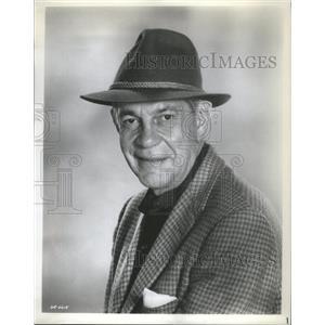 Press Photo Raymond Hart Massey - RSC81317