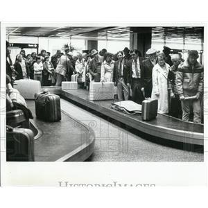1981 Press Photo Passengers at Tampa International Airport - XXB08993
