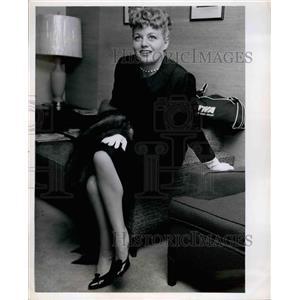 Press Photo Actress Shelley Winters - KSB21635