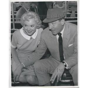 1958 Press Photo Actor Michael Wilding & Sonie Henie In Sonia Henie In London