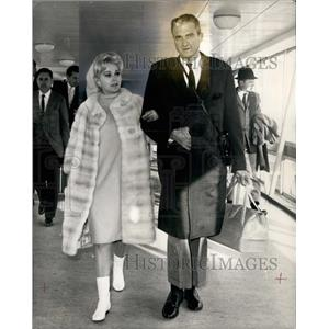 1966 Press Photo Actress Zsa Zsa Gabor & husband No 5Joshua Cosden - KSB15653