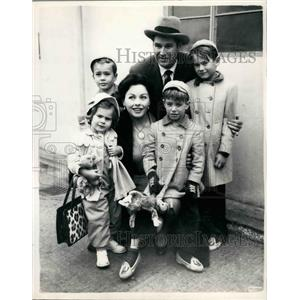 1954 Press Photo Screen Star Jeanne Crain and family - KSB34483