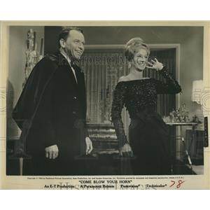 """1963 Press Photo Frank Sinatra and Phyllis McGuire in """"Come Blow Your Horn"""""""
