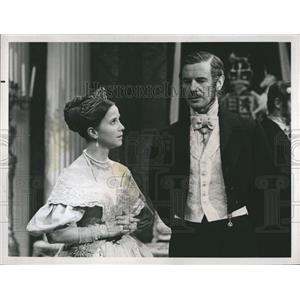 1969 Press Photo Actress Julie Harris and Actor James Donald. - RSH81519