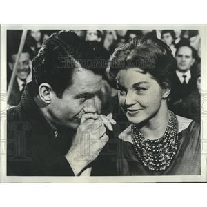 "1967 Press Photo Actors Esther Williams and Cliff Robertson in ""The Big Show"""