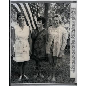 1969 Press Photo Mrs Joan Aldrin Mrs Janet Armstrong - RRX49967